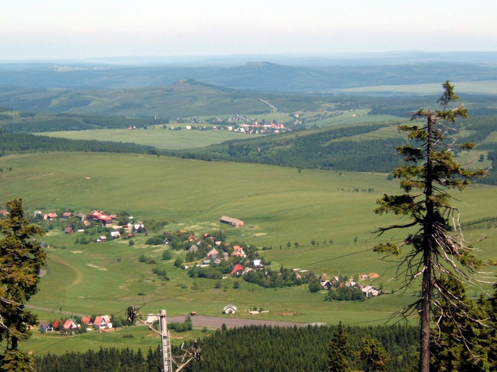 uitzicht vanaf bergtop Klínovec
