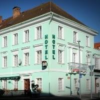 Hotel U Hroznu, Mnichovo Hradiště, Boheems Paradijs