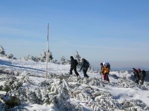 Hiken door een besneeuwd Reuzengebergte