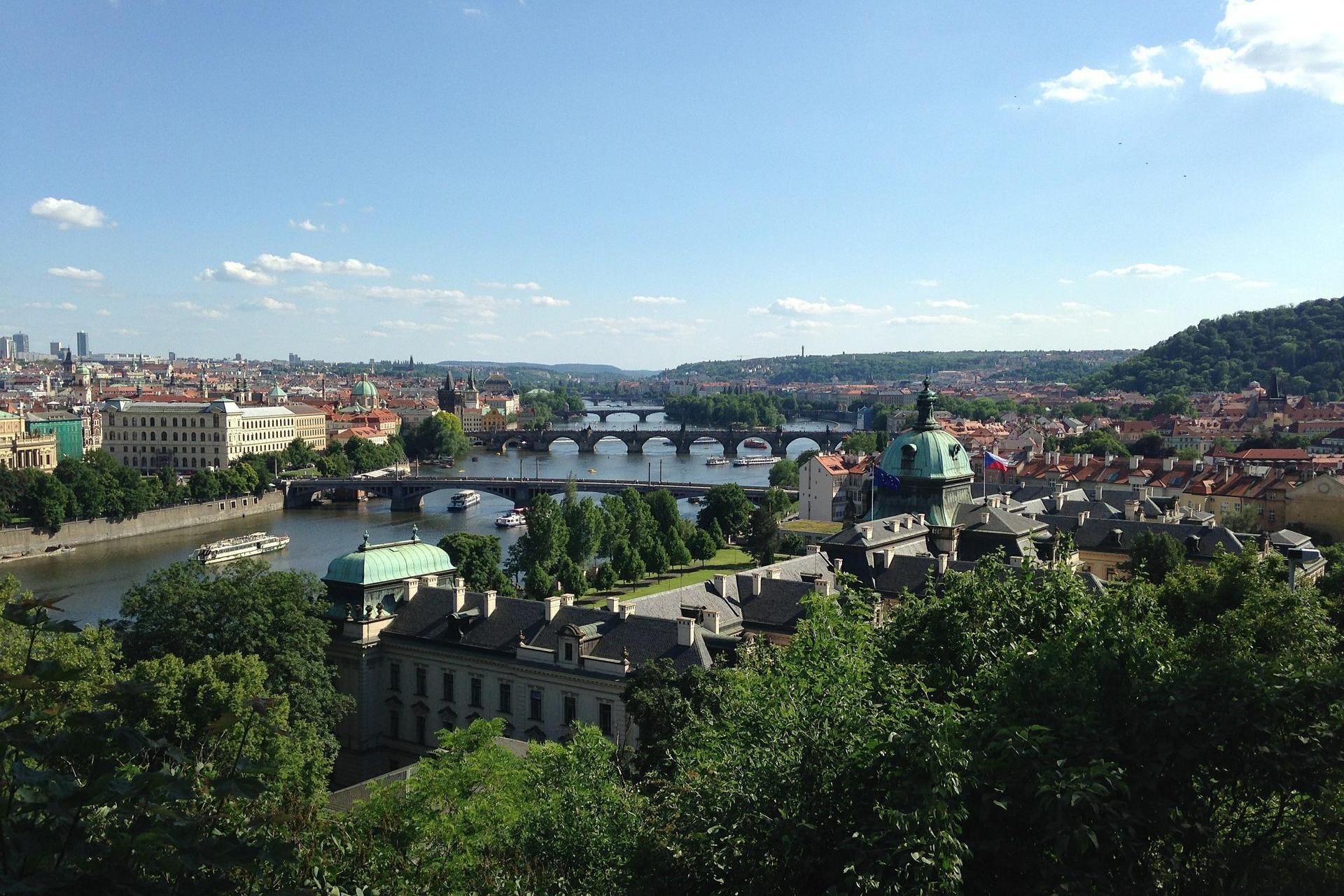prachtig panorama over Praag