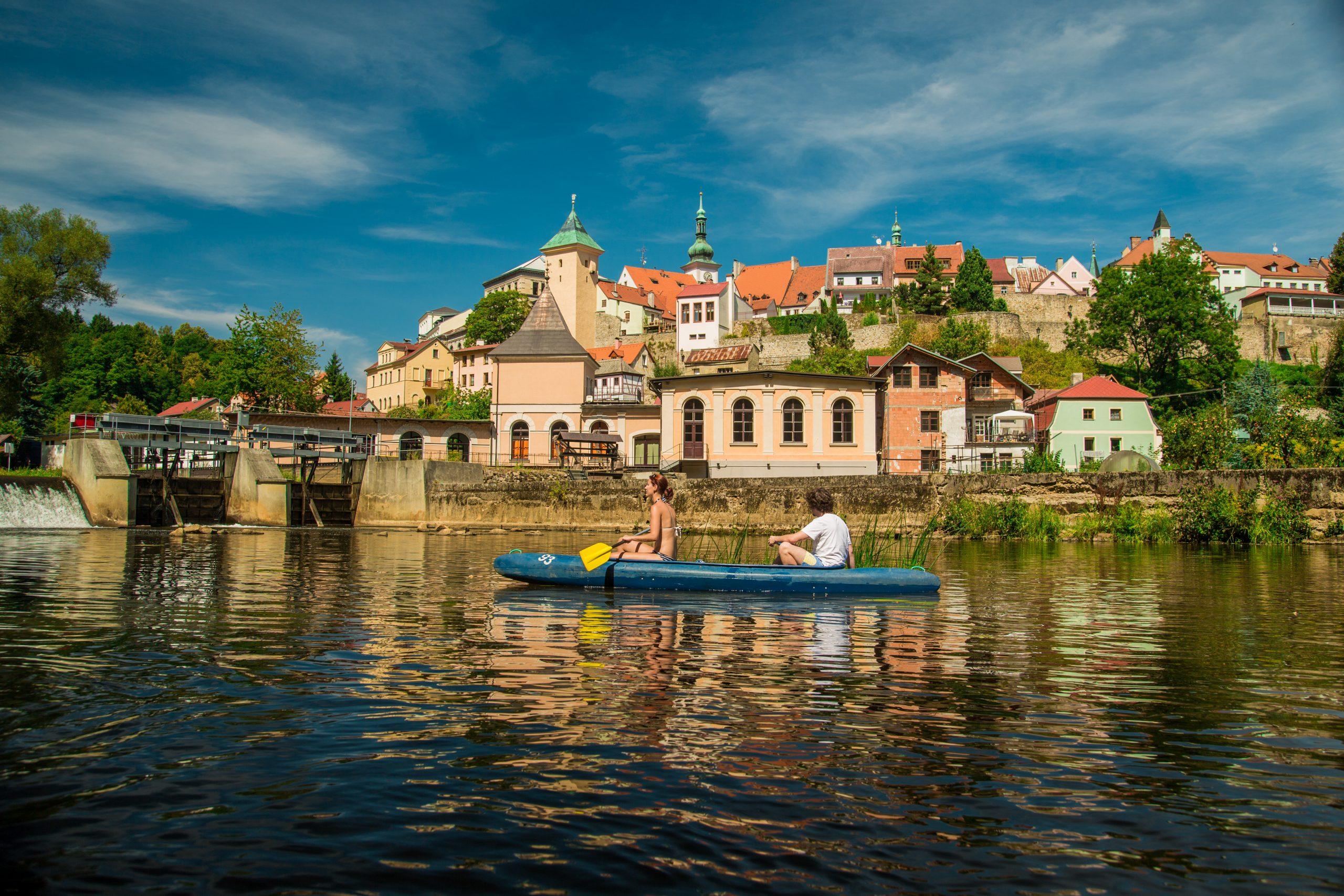 Fietsen langs de rivier de Eger (Tsjechisch: Ohře)