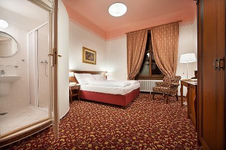 kamer upgrade kasteelhotel Hrubá Skála familiekamer / meerpersoons kamers